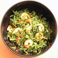 arugula salad w seared shrimp and red pepper vinaigrette
